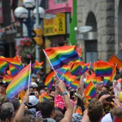 HOMOPHOBIE | 6 ans après le vote de la loi sur le mariage pour tous, l'homophobie est en nette hauss