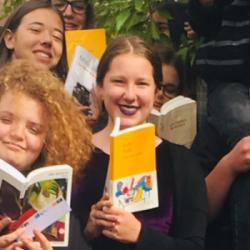 GONCOURT DES LYCEENS   Agathe, lectrice assidue, attend impatiemment de rencontrer les auteurs &agra