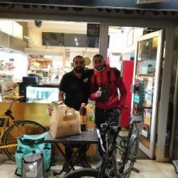 CORONAVIRUS | Des coursiers solidaires livrent repas et produits d'hygiène &agrave Strasbourg