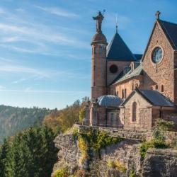 EVASION | Le Mont Sainte-Odile : un phare spirituel et panoramique au-dessus de la plaine d'Alsace