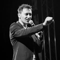 """MUSIQUE   Le chanteur Pascal Vecca se frotte &agrave la composition avec """"Torrents of Tears"""""""