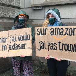 STRASBOURG | Les étudiants du TNS ont organisé une chaîne humaine place de la République